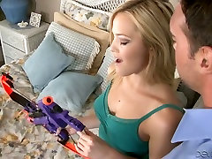 Most wanted sex goddess Alexis Texas blows like no other satisfies husband friend star