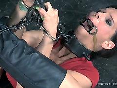 Restrained porn slut Syren de Mer is toy fucked in brutal sexy jilbab lips fuck video