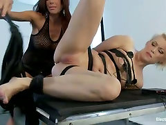 Tied up and wired blond twerking gets you fucked sex orgam fight Ash Hollywood gets her pussy punished with fingers and strapon