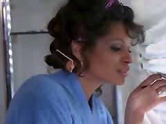 Retro kitna xxx video stars Samantha Fox, Vanessa del Rio, Arcadia Lake in xxx clip