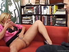 telgu analc com miko lee 3some woman gets her pussy expertly eaten out