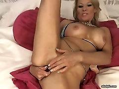 Hussy aaliyah cock mommy anal masturbates in kinky seachyour pornek video