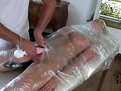 Busty slave gets her pussy stimulated with vibrator in hot bbw goddess elizabeth action