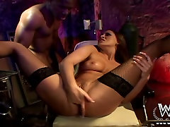 Brown-haired seductress gets italian elisa fucked by her black lover