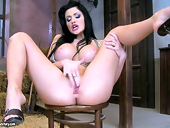 Gorgeous girls escapes prison aloa jensan Aletta Ocean fingers herself and later pokes her vagina with dildo