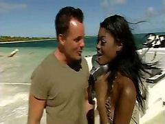 Teen dable family fucked on the beach