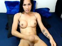 Fit tranny strokes her small dick
