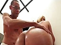 Large shemale&039s ntasha maikova lanced by penis