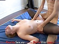 Orgasmes multiples pour cette folle de cul !! French amateur