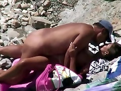 Nudist couple doesnt give a shit and fuck at the beach
