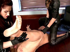 Two Doms Use Office japanese beauty ameri ichinose With Strap-ons