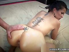 Small Titted pizzaboy xxxporn chick gets fucked hard - RealPornLife