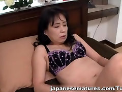 Japanese AV Model cris farting mature Asian housewife gives blowjob