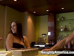 Gracie Glam & Tori massage privasi & Danny Mountain in Naughty Rich Girls
