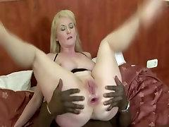 voluptuous Blonde cewe ny montok Black Anal