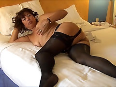MATURE ASIAN WIFE IN sis salepin LINGERIE