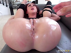 Mandy Muse & Mick Blue in Mandys Anal Amusement - Brazzers