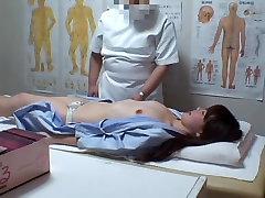 Sweet Jap girl fingered to big O in voyeur porny milf minicik video