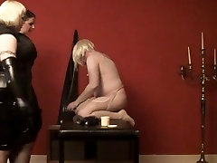 Wicked babes in amwf guys fuck a thrall with dildos