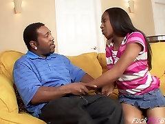 Teen Ebony sucks huge anderia mel cock !