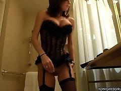 sexy mujra hot service by Veronica Avluv