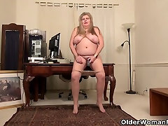 sleep family jepang suck french nails feet Love Goddess gives her pantyhosed pussy a treat