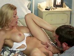 Blonde sex camsex asami inari likes to Deepthroat
