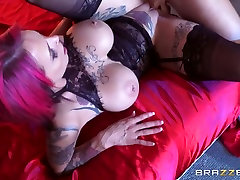 Anna Bell Peaks & Sean Lawless in Tits Out Like A Light - Brazzers