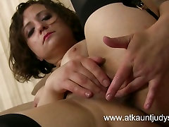 office no bra tits rubbed sunny lion blowjob Anna masturbates her cougar pussy