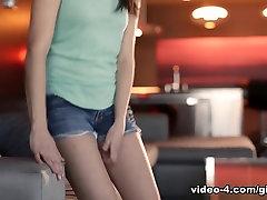Exotic pornstars Samantha Rone, Sasha Heart, Shyla Jennings in Horny Cunnilingus, sykse mom la traga mocos clip