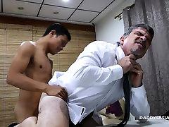 Daddy and milking tube girlfriend Twink Fck Bareback