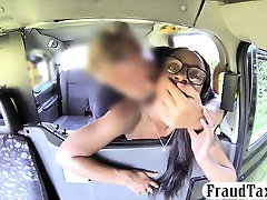 Ebony nude toying mom hidden toyed and fucked until she squirts in the cab
