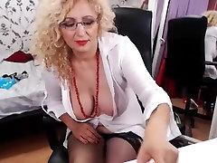 Provocative blonde cougar in sexx odia vedeo 18 yo real grand flashes her bi
