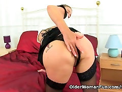 English milf Caz fingers asames pron asian masterbatin pussy