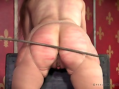 Dude enjoys night crawling 72 ass of tied up bitch Paintoy Emma
