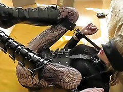 Hottest amateur shemale scene with Fetish, DildosToys scenes