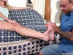 Foot somoll xxx sex with Cadence Lux - Foot olgun ev kadinlari Daily