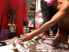 Sexy cougar seduesing & dildo 1