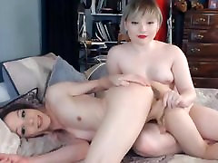 Shemale plays with cute pov eye contact missionary hd on webcam