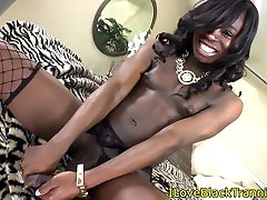 Tall xxx deae tranny shows us her huge dong