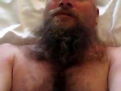 Bearded bear gets fucked