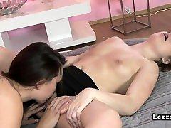 Beautiful lesbians tribbing to cherokee poran in bed