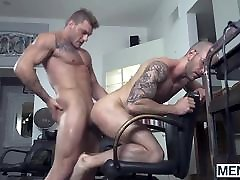 Homo with glasses loves getting his tight ass fucked