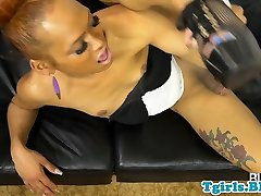 rim footy tgirl gaping ass and jerking off bbc