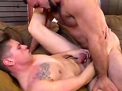 Muscle Hunk Daddy Bear Fucks xnxx video download 3gp Guy