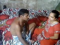Indian MILF Bhabhi Seducing