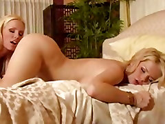 Blone cutie Alexis Ford opens her sweet pussy for some wet kisses