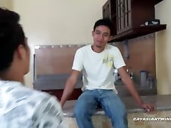 Gay Asian dsi porny Gilbert and Kris Bareback