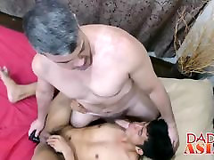 Daddy and Asian 16 ki ldki sxx video George have fun in the shower