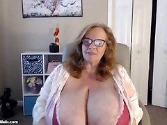 perfect south fuck vdo granny sucking both nipples at once